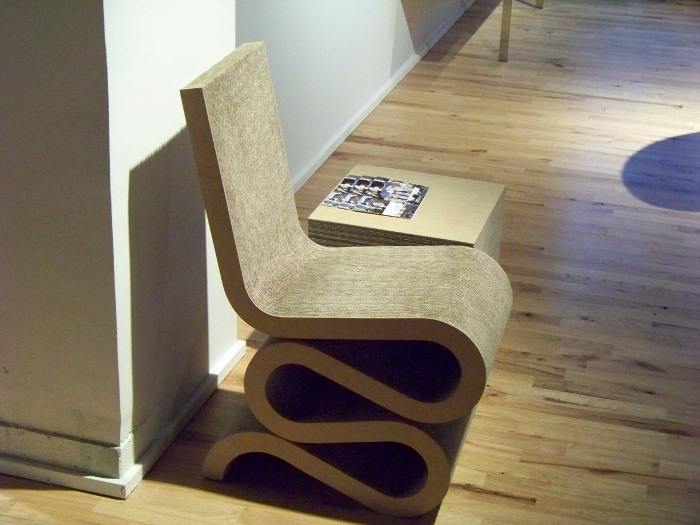 postagem-lilia-casa-wiggle-chair-frank-gehry